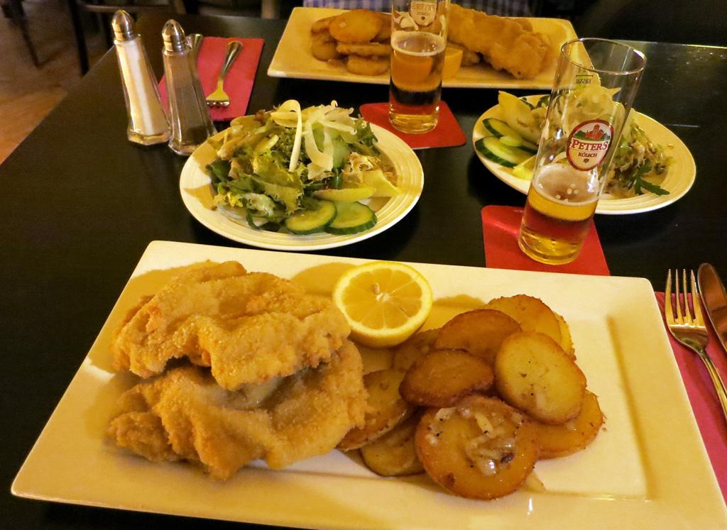 Wiener Schnitzel im Restaurant Löwen in Bad Godesberg